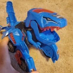 Coche con ledes que se transforma en dinosaurio DYNOCAR